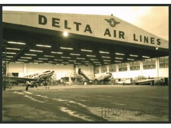 Atlanta: Delta Hangar, DC-3+L-12