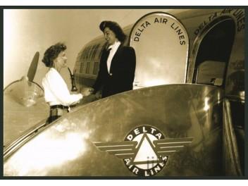 Delta, DC-3, air hostess